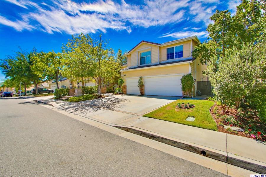 25702 Hood Way, Stevenson Ranch in Los Angeles County, CA 91381 Home for Sale