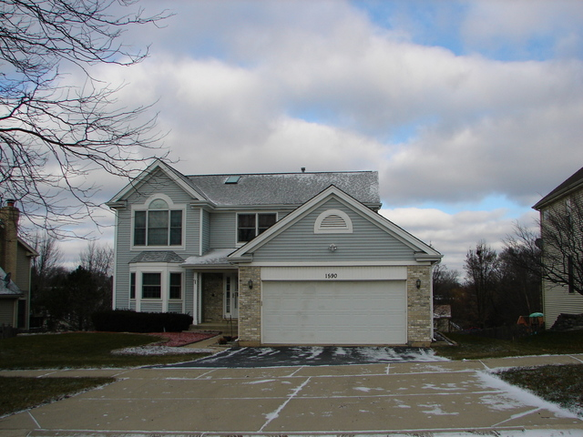 1590 FARMHILL Drive, Algonquin in Mc Henry County, IL 60102 Home for Sale