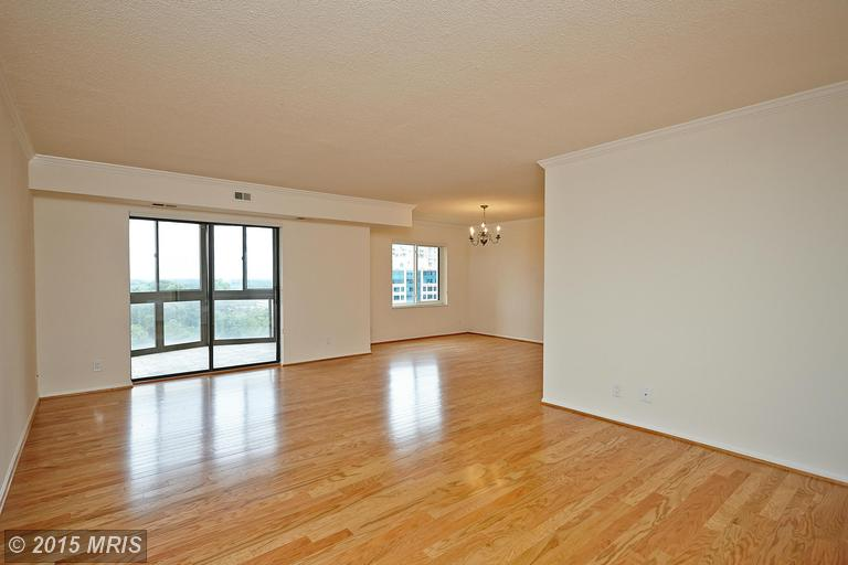 One of Tysons Corner 2 Bedroom Gated Homes for Sale