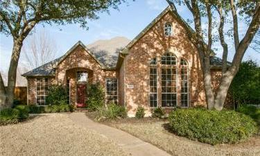 1422 Lone Star Court, Allen, Texas