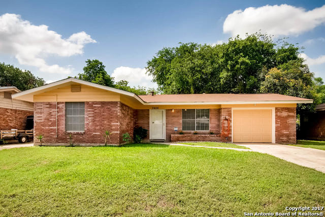 7426 CARTWHEEL LN, Braun Heights, Texas